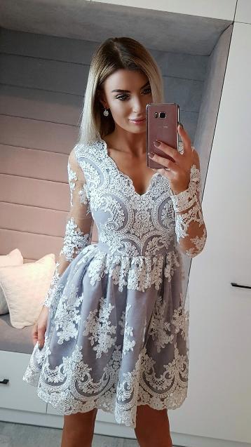 Krátké krajkové šaty Amelie šedé s krémovou krajkou  4ba44c9b8bb