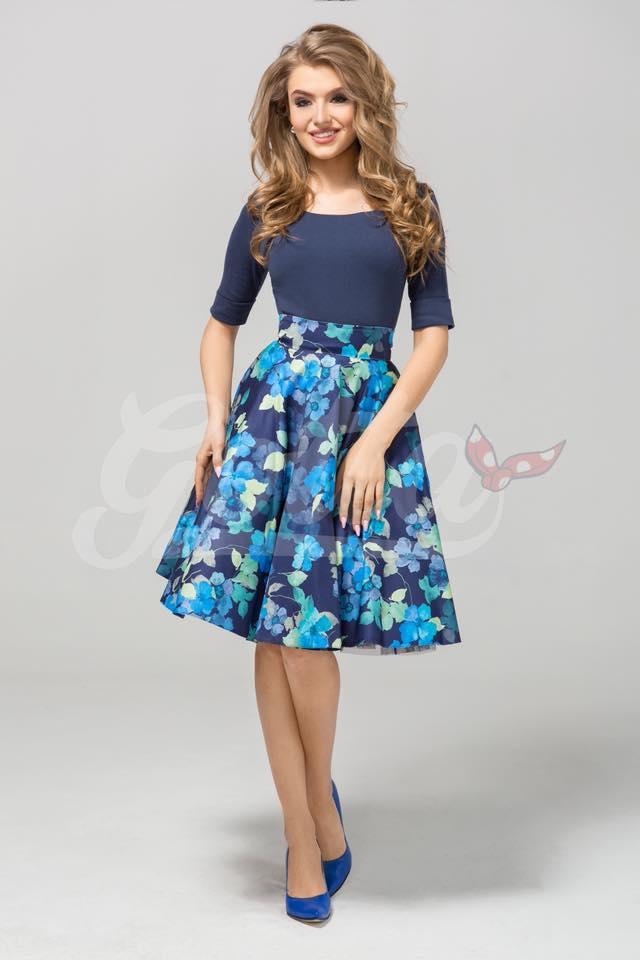 17acdcc8c5f4 Dámská retro midi sukně modrá s květy