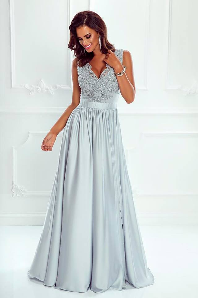 88c02c878c22 Dlouhé elegantní šaty Juliette šedostříbrné