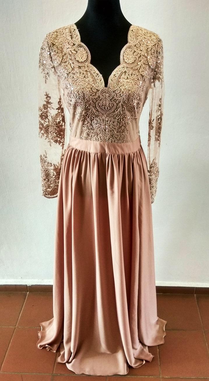 584390c37792 Dámské večerní šaty Leila capuccino